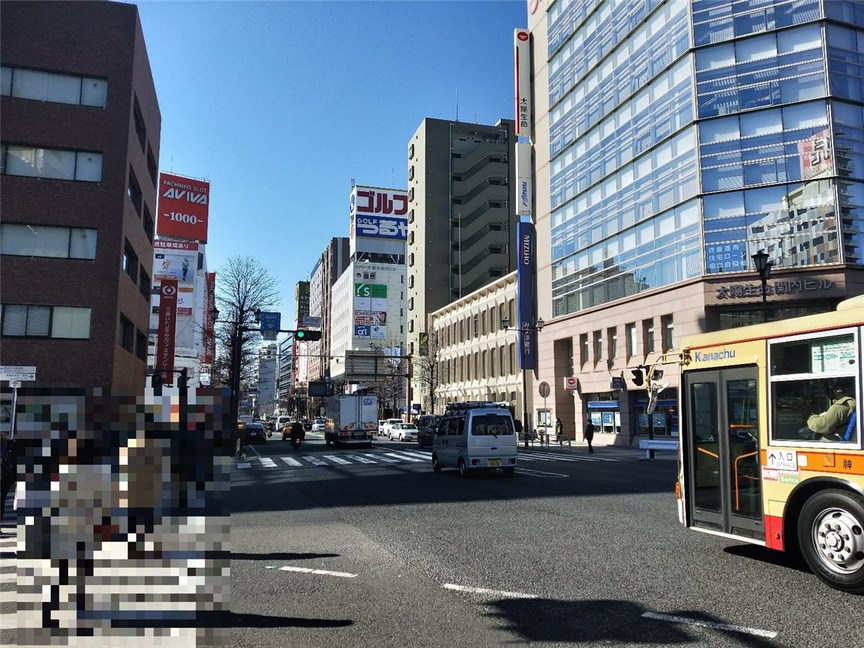 関内二郎(向かう途中の道)