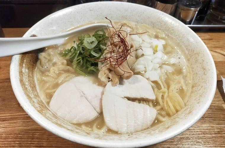 川崎ようすけの鶏白湯ラーメン