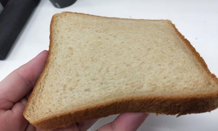 ローソンの食パン(断面)