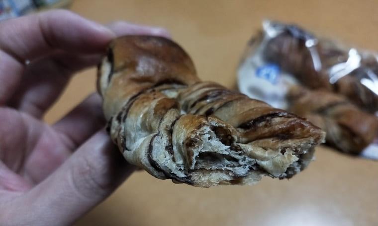 ローソンのチョコデニッシュ(断面)