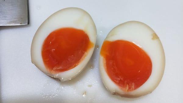 半熟卵の作り方(断面)
