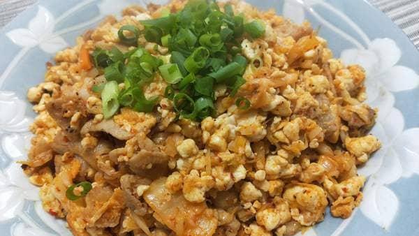 豆腐炒飯(キムチで味付け)