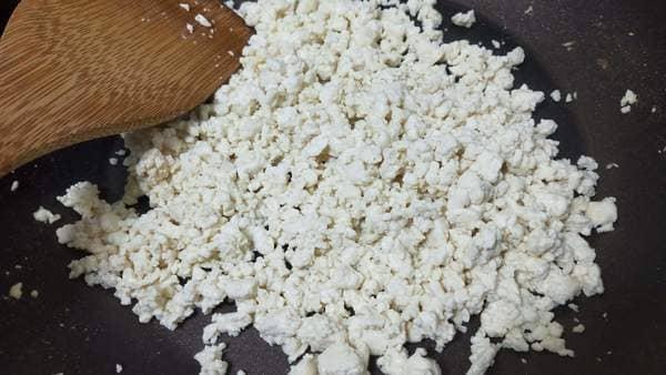 豆腐炒飯(煎った豆腐)